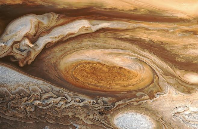 木星大红斑和白卵