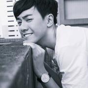 歌手李友廷的头像